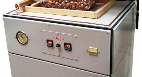 Машина вакуумная камерная «ВУМ – 01» для вакуумной упаковки пищевых продуктов